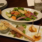 44702170 - メルカートサラダ、前菜3種15.11