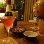 Bar Sasha - コスモポリタンとおかき