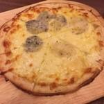 44705401 - 4種チーズのピッツァ920円