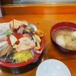 幸寿司 - ビックリ丼 1/4