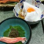 44712792 - 蟹味噌とメレンゲと黄身がのった蟹