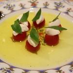 ピッツェリア スペリアーモ! - トマトと水牛のモッツァレラのカプレーゼ