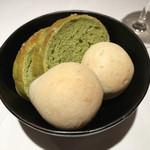 アユート  - 自家製パン(2015月11日ディナー)