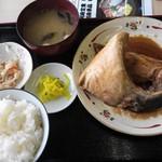 ワーサン亭 - ブリかま煮定食