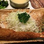 まるは食堂 - 定食のエビフライ