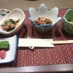 大友屋旅館 - 料理写真:雪菜と炒め煮  わらびのお浸し  くらげの酢の物