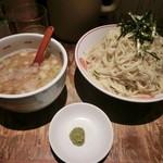 唐そば - つけ麺特盛(4玉)800円