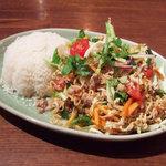 4473476 - ヤム・ママー:タイのインスタントヌードルのサラダ(900円)