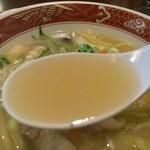 玉華園 - ちゃんぽんのスープ