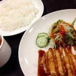 コビアン - チキンカツ定食(290円)