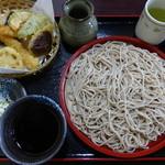 はすみ - もりそば+天ぷら盛り合わせで、650+500円。2015.11.23