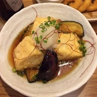 おふろcafe utatane - カフェのなすと豆腐の揚げだし。