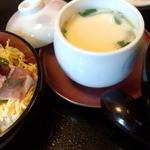 伊くま - 伊くま ミニ海鮮丼、茶碗蒸し