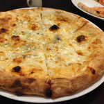 44747697 - 4種のチーズ