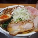 中華そば ひらこ屋 - 秋刀魚出汁中華そば あっさり(大)750円