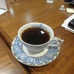 はじまりのカフェ -  NARUMI のカップでコーヒー