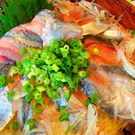 海鮮蔵 魚魚魚 - 秋刀魚丼