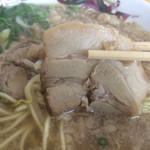 中華そば スエヒロ - チャーシューは厚めのバラ肉です(*^_^*)
