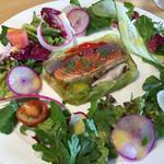 Coin - 料理写真:富士トラウトと地場野菜のテリーヌ パッションフルーツのピネグレット