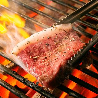こだわりの食材・最高級黒毛和牛「常陸牛」シンプルに炭火焼きで