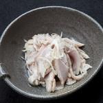 町田酒場 咲酒屋 - 佐助豚ガツと白葱の塩和え