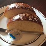 コーナーズグリル -  ふんわり甘い パン