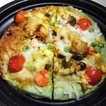 44776796 - シンシェフのまかないナンピザ(野菜) 648円