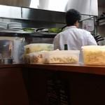 トラットリア ピアット - シェフがボクの料理を作る。
