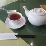中国膳房 黎花 - ポットサービスのウーロン茶