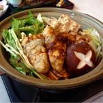 華屋与兵衛 - 大粒の広島県産 牡蠣