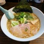 琉球新麺 通堂 - 料理写真:豚骨醤油味
