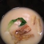 44785699 - (2015/11  訪問)焼きナスと白子の白味噌仕立て。