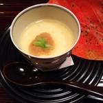 44785702 - (2015/11  訪問)茶碗蒸し。銀餡とこのわた、中には長芋が。