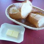 ロアジ - バゲット&バター