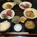 いわし料理 すゞ太郎 - つみれ 野菜煮と今日の刺身940円