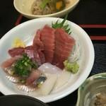 いわし料理 すゞ太郎 - 刺身も4種