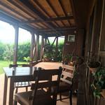 のんびりカフェ -  春・秋には予約して訪問したいテラス席