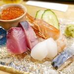 酒・肴 タナゴコロ - お造り盛り合わせ(1人前)