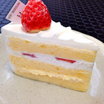 44819517 - ショートケーキ。                       スポンジふわふわです♡