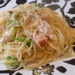CAUPONA - 鶏ささ身とブロッコリーのぺペロンチーノ