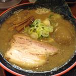 節系とんこつらぁ麺 おもと - 豚骨魚介醤油ラーメン味玉入り