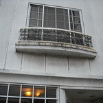 しみずコーヒー店 - アイアンの窓枠