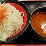 麺屋心 - 辛つけ麺(トッピング:チャーシュー、たっぷりネギ)