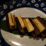 44832826 - 長屋のがっこチーズ炙り焼き680円(税別)