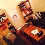 ASSE - 半個室のソファ席