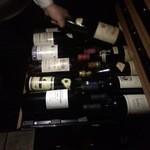 小久保 - ユーロカーブの一番下の棚には1959年のワインが並びます。どなたか開けませんか???