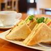 珈琲茶館「珈風絵」 - 料理写真:ランチセット クラブハウスサンド (A)ツナ・オニオン (¥850)、ソフトブレンド (¥340)