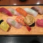 44838164 - 握り寿司!フィリピン近海魚ではなく日本でも定番のネタを使っています