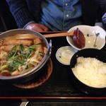 開化亭 - 味噌鍋うどん(太麺)