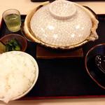 手打うどん 牛コロ 宮内 - 牛ニコ(930円)